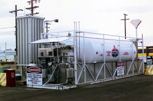 Liquefied natural gas fueling station